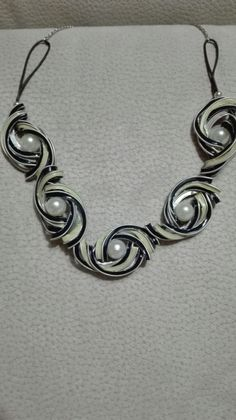 Recycled Jewelry, Metal Jewelry, Coffee Pods, Fashion Bracelets, Diamond Earrings, Jewelry Making, Chain, Beads, Silver