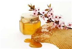 DIY aspirin, honey, and aloe vera face mask for acne and scarring