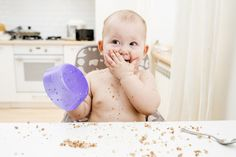 Here's your complete guide to starting your baby on solids. Introducing solids is a fun milestone for you and your baby. See the different ways to start! Choking On Food, Introducing Solids, Time Kids, Baby Led Weaning, Baby Chicks, Baby Center, 20 Min, Meals For One, Baby Food Recipes