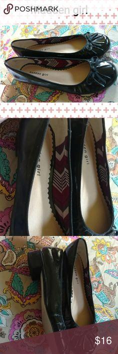 Madden girl sz 9-1/2 flats Madden girl ballet flats in mint condition. Sz 9-1/2 Steve Madden Shoes Flats & Loafers