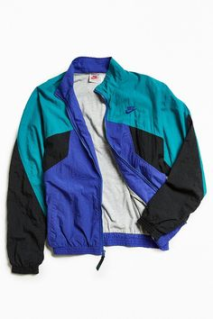 6178775fda6f Treasure Chest Australia. Nike Windbreaker ...