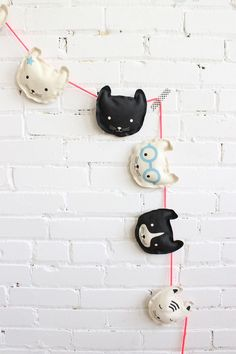 DIY Cat garland - such a cute decor idea for children's room and for parties