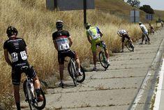 Treter treten aus: Während der dritten Etappe der Kalifornien-Rundfahrt lässt das Feld Wasser. (15. Mai 2012)
