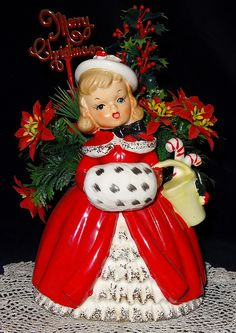 Ladies dressed for the season: Napco Old Fashioned Christmas, Antique Christmas, Christmas Past, Vintage Christmas Ornaments, Retro Christmas, Christmas Items, Vintage Holiday, Holiday Fun, White Christmas