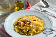 Questa ricetta delle tagliatelle ai moscardini è perfetta per chiunque adori preparare un gustoso primo piatto di mare o si voglia lasciare ispirare.