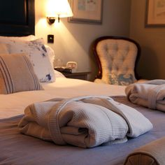 Are you looking for a bed and breakfast in North Norfolk? If you choose to stay at a luxury hotel, you'll be in for a real treat. Perfect Image, Perfect Photo, Love Photos, Cool Pictures, Norfolk Coast, Hotel Bed, Romantic Homes, Guest Suite, Bed And Breakfast