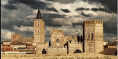 Madrigal de las Altas Torres Madrigal, Notre Dame, Medieval, Building, Travel, Towers, Earth, Military, Architecture