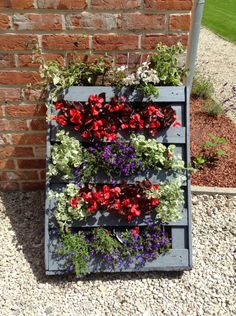 Homemade vertical pallet planter #Pallet, #Planter, #Vertical