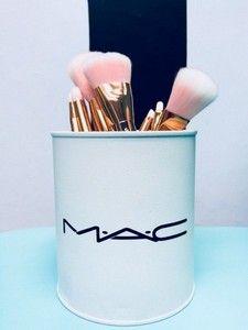 White Mac Treco Can - Landlikes Sites Makeup Vanity Decor, Makeup Jars, Diy Makeup, Makeup Desk, Makeup Storage, Makeup Organization, Glamour Decor, Chanel Decor, Dream House Interior