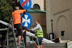 Na ulicy 3 Maja w Rzeszowie został wprowadzony zakaz ruchu dla samochodów, ale mieszkańcom nie daje spokoju nowe oznakowanie deptaka.