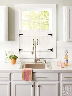 Give your kitchen that farmhouse feel with these adorable window shutters you can make in a weekend. house window shutters Make These Adorable Farmhouse Kitchen Window Shutters Kitchen Shutters, Diy Shutters, Farmhouse Shutters, Kitchen Window Decor, Indoor Window Shutters, Diy Interior Window Shutters, Window Blinds, Inside Shutters For Windows, Country Shutters