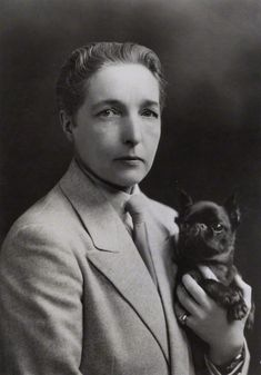 Radclyffe Hall by unknown photographer, circa 1930 (National Portrait Gallery).) was an English poet and author. is best known for the novel The Well of Loneliness Lgbt History, Women In History, Free Mind, Virginia Woolf, National Portrait Gallery, Freedom Of Speech, Lesbian Love, Vintage Dog, Portrait Photo