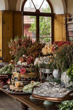 Este casamento aconteceu na Fazenda D. Catarina, um local que carrega muita história e que apresenta uma linda arquitetura! Levando isso em conta, o desejo