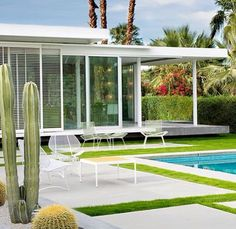 Palm Springs. Can't wait. Going to eat up the Mid-Century architecture and design. ♠️