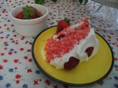 Mommy's Kitchen - Country Cooking & Family Friendly Recipes: Strawberry Soda Pop Cake