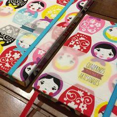 Tela Mamushkas! Cuadernos artesanales a5 y a6 con elástico y señalador! Pedidos personalizados en facebook.com/calimeracuadernos