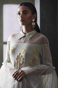 Ideas wedding indian outfit style for 2019 Look Fashion, Fashion Details, High Fashion, Womens Fashion, Fashion Design, Indian Fashion Modern, Trendy Fashion, Indian Fashion Trends, Fashion Rings
