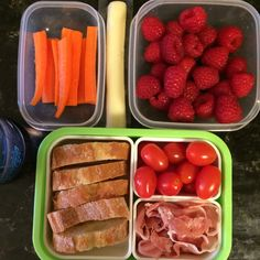 #Teuko lunchbox: carrot sticks, cherry tomatoes, bread (baguette), prosciutto, cheese stick, raspberries, water. By Jessica, www.teuko.com