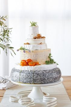 How to Style a Cheese Wedding Cake | SouthBound Bride    http://www.pinterest.com/emiagency