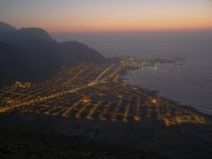 Panorámica del puerto de Tocopilla, tomada desde la cumbre del cerro La Cruz, a una altura de 440 msnm.