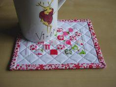 Bear, Dolly and Moi: mug rug for Christmas