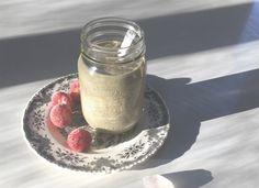 Gut-friendly Strawberry Cashew Smoothie // Holistik.fi