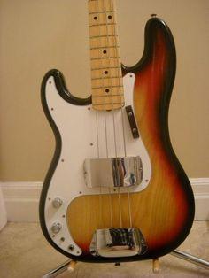 Canadian Vintage Guitar Hunt: 1976 FENDER Precision Bass - Lefty