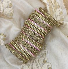 Thread Bangles Design, Gold Bangles Design, Silk Bangles, Bridal Bangles, Indian Jewelry Sets, Indian Wedding Jewelry, Chuda Bangles, Pakistani Jewelry, Fancy Jewellery