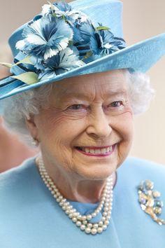 Queen Elizabeth II Photos - The Queen and Duke of Edinburgh Visit Barking & Dagenham - Zimbio