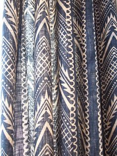 Gardinstoff og tapet - Riis Interiør Curtain Fabric, Curtains, Designers Guild, Home Collections, Living Room, Prints, Home Decor, Insulated Curtains, Living Rooms