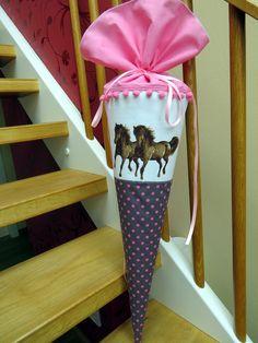 Schultüten - Schultüte Pferde Pferd Zuckertüte - ein Designerstück von Kunstwerkstatt-der-Wolle bei DaWanda