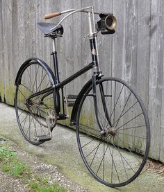 Old Bicycle, Bicycle Parts, Old Bikes, Velo Retro, Retro Bike, Antique Bicycles, Power Bike, Bike Components, Push Bikes