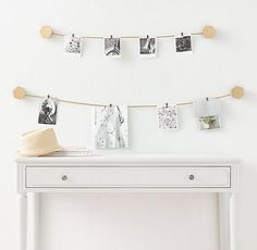 Cast Metal Gold Wire Photo Display