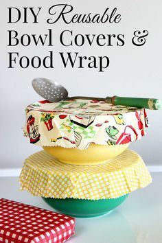 diy food Beeswax DIY reusable bowl covers and food wrap are a simple eco-friendly alternative to plastic wrap. EASY to make, cute and great for summer picnics. Diy Tumblr, Diy Projects To Try, Sewing Projects, Craft Projects, Bees Wax Wraps, Bees Wax Wrap Diy, Reusable Food Wrap, Reusable Bags, Beeswax Food Wrap