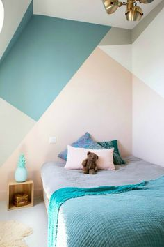 Looking to Geometric Wall Painting Ideas And How To Make It? Here are DIY painted geometric wall decor, How To Paint A Geometric Wall and Dazzling Geometric Walls for the Modern Home. Decor Room, Bedroom Decor, Wall Decor, Kids Rooms Decor, Wall Art, Paint Decor, Playroom Furniture, Kid Rooms, Wall Lamps