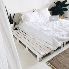 Your room is a reflection of your mind / What do you want it to look like? Forever lusting over bedroom x Cozy Bedroom, Bedroom Inspo, Bedroom Decor, Bedroom Ideas, Bedroom Designs, Summer Bedroom, Dream Rooms, Dream Bedroom, Minimalist Bedroom