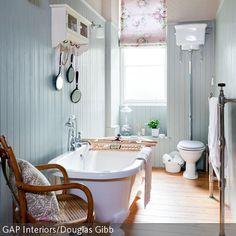 englischer landhausstil in hellblau, Hause ideen