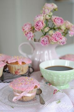 I can't wait to have a daughter so we can have our own tea parties:)