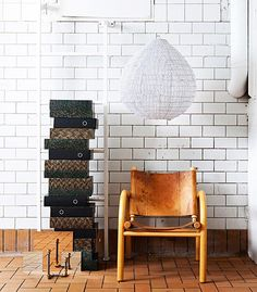 Industrial style for the home office. 411 chair, Artek \ Kyoto lamp shade and Fraser candle holder, Armas Design.