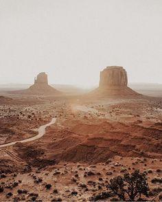 folklifestyle: Monument Valley: photo by @natalieallenco #buyfolk #liveauthentic #livefolk (at Monument Valley, Arizona/Utah, USA)