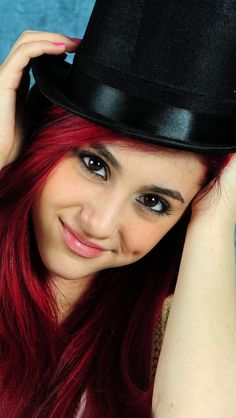 Find everything but the ordinary Ariana Grande Red Hair, Ariana Grande Cute, Ariana Grande Pictures, Famous Women, Famous People, Velvet Color, Meghan Trainor, Cat Valentine, The Ordinary