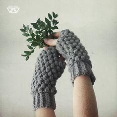 diEnes / bezbub / crochet hand warmers, fingerless gloves, puff stitch