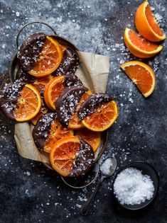 Grab a box of your favorite winter citrus and get ready to make it even sweeter! These candied orange slices dipped in dark chocolate are perfect for sharing your love of citrus. Dark Chocolate Recipes, Chocolate Orange, Chocolate Dipped Fruit, Easy Desserts, Delicious Desserts, Dessert Recipes, Canapes Recipes, Cupcakes, Candied Orange Slices