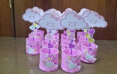 centro de mesa chuva de amor no Elo7 | Mamãe festeira lembrancinhas (C97D84) Birthday Bag, Girl Birthday Themes, Birthday Party Decorations, Party Themes, Baby Shawer, Baby Love, Baby Party, Baby Shower Parties, Diy Paper