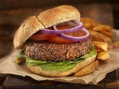 Recetas de hamburguesas veganas Black Bean Quinoa Burger, Quinoa Burgers, Bean Burger, Salmon Burgers, Easy Chicken Recipes, Seafood Recipes, Beef Recipes, Vegan Recipes, Vegan Soup