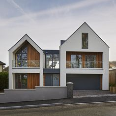 Antony & Hayley& self build in Clevedon Bungalow Exterior, Bungalow Renovation, Dream House Exterior, Dream House Plans, House Cladding, Facade House, Modern Barn House, Modern House Design, Contemporary Design
