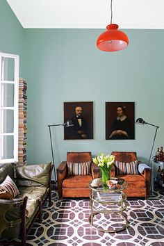 Old painted portraits willadd depth and character to any room in your house. They add a sense of history and nostalgia. They add a richness and an extra layer to a room, no matter what the size.| Interior designer: Samuel and Caitlin Dowe-Sandes