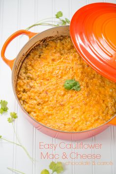 Easy Cauliflower Mac & Cheese - Chocalate and Carrots – ENJI Daily Whole Food Recipes, Great Recipes, Cooking Recipes, Favorite Recipes, Dinner Recipes, Stovetop Mac And Cheese, Vegetarian Pasta Recipes, Cauliflower Mac And Cheese, Mac Cheese Recipes