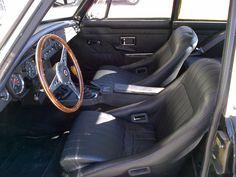 MGC GT 1969 racing interior