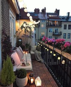 35 DIY Small Apartment Balcony Garden Ideas # Balcony Garden - b a l c o n y - Balkon Apartment Balcony Garden, Apartment Balcony Decorating, Apartment Balconies, Cozy Apartment, European Apartment, Living Room Ideas Small Apartment, Apartment Living, Apartment Patios, City Apartment Decor